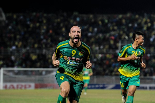 FLYING HIGH: Billy Mehmet is the Red Eagles' ace in the pack. Picture by ADIB HASRI/Sports247.my