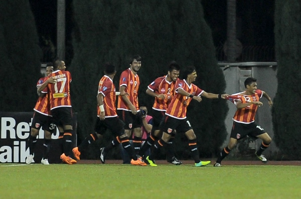 SHORTLIVED: Sime Darby players celebrate Failee's first minute goal before Rangel's two goals gave Selangor a 2-1 win. Picture by MOHD ADIB HAKIM/sports247.my